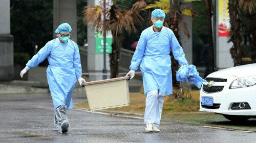 В Китае впервые умер врач, зараженный загадочным коронавирусом из Уханя