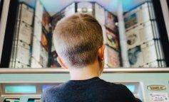 Парикмахер сбрил волосы 14-летнему мальчику, который не стригся 10 лет: фото до и после