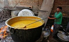 Упал в котел с супом и умер: в Индии погиб ребенок