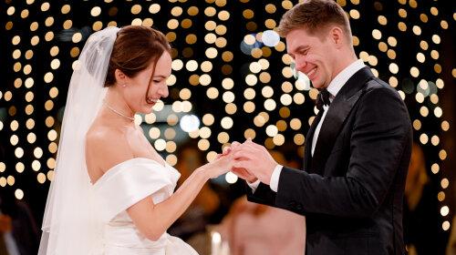 Володимир Остапчук і Христина Горняк офіційно стали чоловіком і дружиною: в Мережі з'явилися фото з розкішного весілля