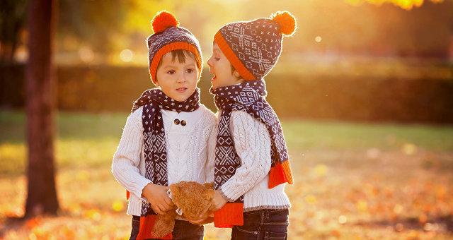 1505715133_autumn_boys_two_winter_474021