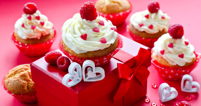Saint Valentine's Day. Muffins for breakfast and gift box