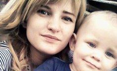 Мать заморила детей голодом: приговор возмутил общественность, преступница захлопала в ладоши