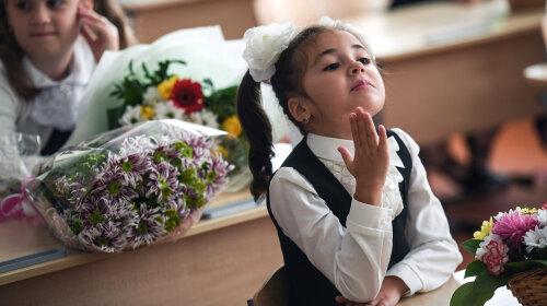В российской гимназии сделали проходной балл для мальчиков ниже, чем для девочек