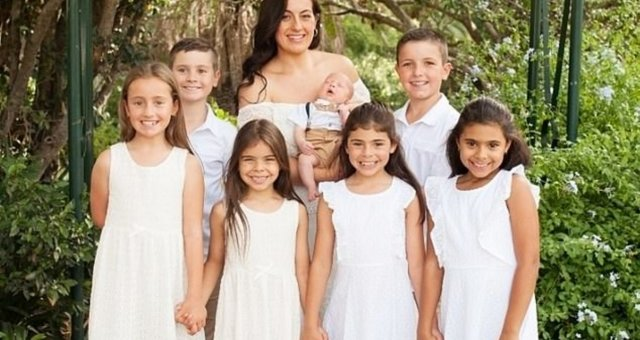 Алиша со своими детьми