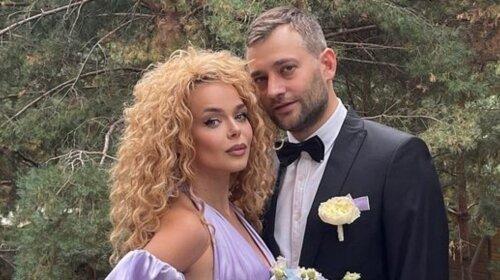 В красном платье с декольте: 26-летняя Алина Гросу после свадьбы полностью сменила стиль – Полянский в восторге (фото)
