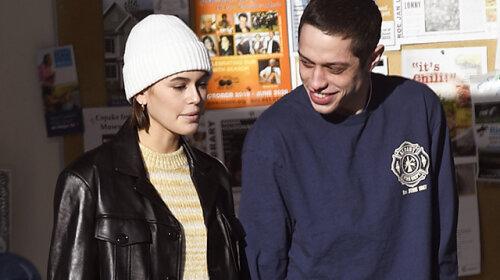 Цілувалися на очах у всіх: у Мережу потрапили фото 18-річної дочки Сінді Кроуфорд і її хлопця