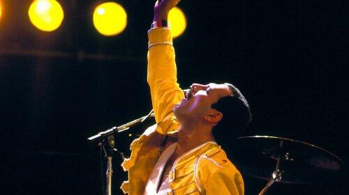 Как выглядел Фредди Меркьюри до всемирной популярности: эксклюзивное фото певца попало в Сеть