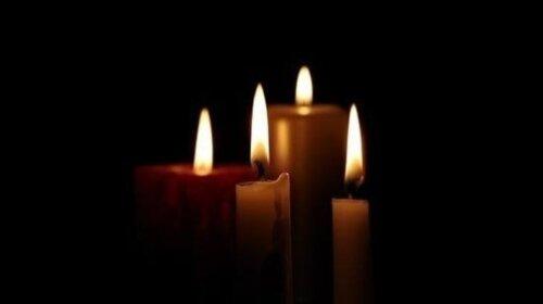 В Одессе проводили в последний путь 16-летнего подростка, который умер страшной смертью в Одесском колледже при пожаре (ФОТО)