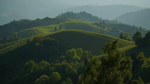 Сказочный отдых на озере Синевир и туристический этно-колорит Полтавщины: журналисты ТСН продолжают исследовать красочные места Украины