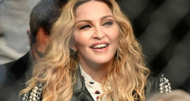 Емілія Кларк, Мадонна, водянова, епіляція, фото, відео