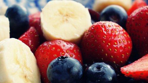 Медики назвали доступний фрукт, який знижує ризик розвитку захворювань серця