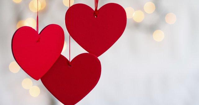 den-svyatogo-valentina-3504×2336-14-fevralya-serdce-dekoracii-8488