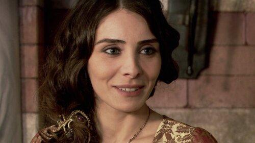 """Отрастила челку: как теперь выглядит красавица Махидевран из """"Великолепного века"""""""