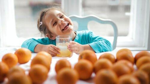Доктор Комаровський розповів, скільки фруктового соку можна давати дітям