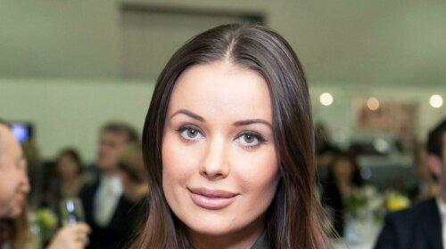 """""""Лялька вуду"""": Оксана Федорова показала дивний подарунок від шанувальників"""