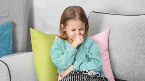 Доктор Комаровський пояснив, навіщо дітей розтирають оцтом