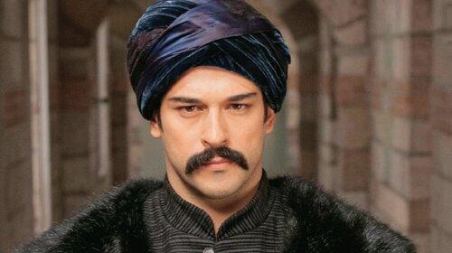 Я его выношу в сад: турецкий красавец Бурак Озчивит проговорился об особом ритуале для сына - «Открыл важную тайну»