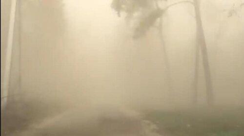 Штормовое предупреждение: в Киеве бушует пылевая буря