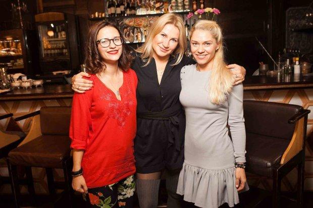Юлия Буговская, Ксения Литвинова, Лора Филиппова (слева — направо)