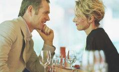 Совместимость знаков зодиака: мужчинателец и женщина весы
