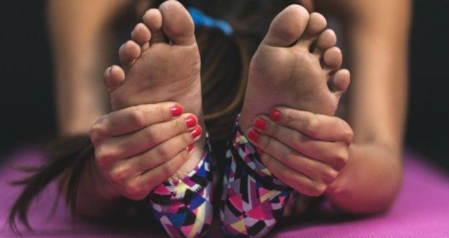 sweaty-feet-natural-remedies