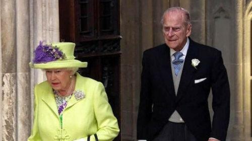 Коронавирус уже в Букингемском дворце: 93-летняя королева Елизавета и 98-летний принц Филипп поспешно покидают резиденцию