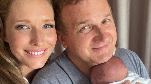 Будет дочка! Катя Осадчая и Юрий Горбунов станут родителями в третий раз — шоумен сделал публичное заявление