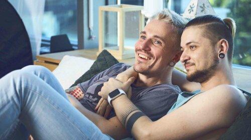 Влюбленная гей-пара: Как живется в Украине нетрадиционным людям