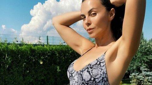 Мокра хижачка: Настя Каменських в крихітному бікіні показала, як збуджує Потапа на відпочинку – «вона просто секс-богиня»