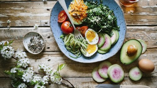 Известный диетолог назвала фрукт, который необходимо есть ежедневно