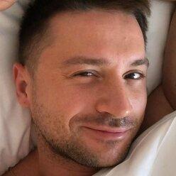 Жена Лазарева восхитила новым фото: понятно, почему певец не устоял
