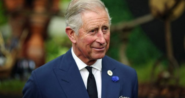1485066745_prince-charles-waiting-in-line-throne-ftr