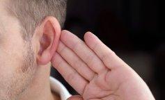Медики назвали первые симптомы потери слуха