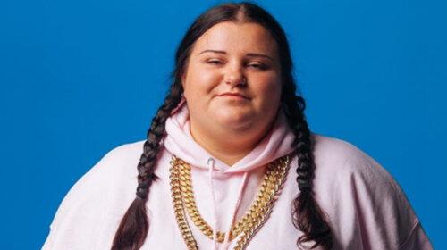 Українська співачка Alyona Alyona вперше показала шанувальникам дитяче фото – маленька, в костюмі лисички (ФОТО)