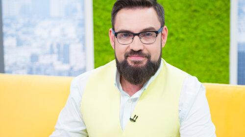 Ведущий «Ранок з Україною» Григорий Герман рассказал, как нарядит елку на Новый год 2020 и какое желание загадает