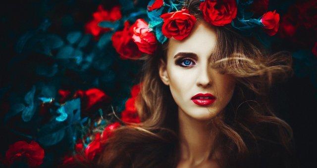 beautiful-makeup-spring-red-roses-portrait-beautiful-girl