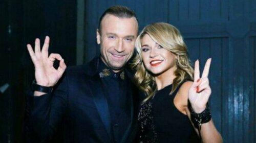 Дружина Олега Винника вийшла з тіні артиста, щоб заспівати пісні, які він написав для неї