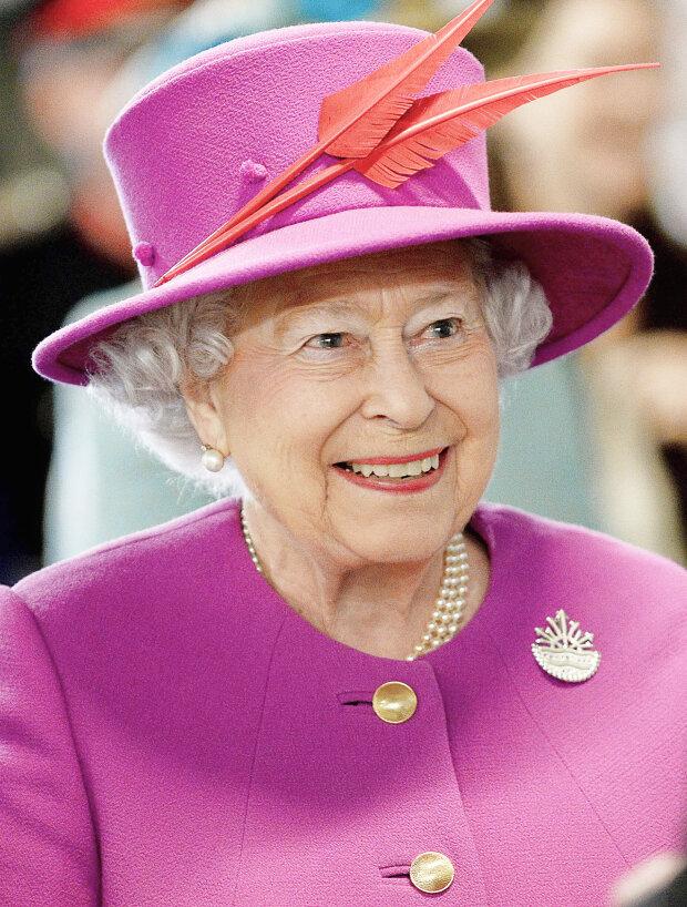 Королева Єлизавета II може відректися від престолу: названа причина