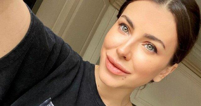 Мурат кусает локти: 42-летняя Ани Лорак блеснула соблазнительной фигурой в роскошном платье