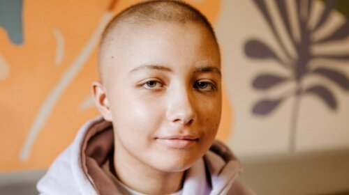 Старший брат стал донором костного мозга: история 14-летней девочки с тяжелым диагнозом
