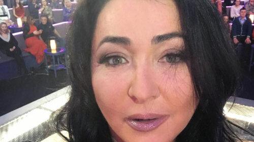 Прикрасила волосся скромним вінком: ненафарбована Лоліта Мілявська показала, як виглядає після скандального розлучення