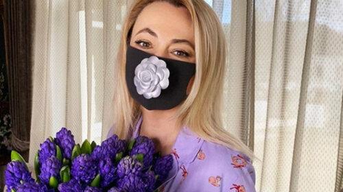 Наживається на біді: Яну Рудковську розкритикував один відомий актор за торгівлю масками за позахмарними цінами (ФОТО)