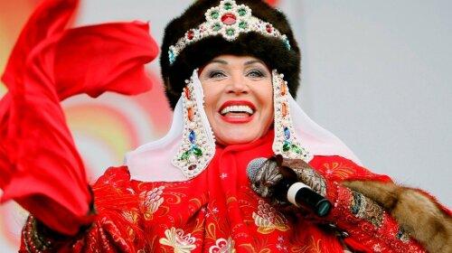 """Надежда Бабкина может покинуть сцену навсегда: всплыли новые подробности о состоянии певицы – """"не может даже встать"""""""