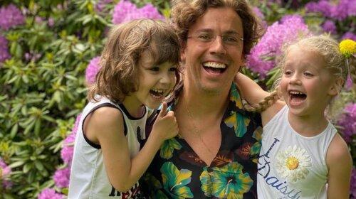 Лиза блогерша! Младшая дочь Пугачевой запечатлела подросшего брата Гарри – растет настоящая звезда