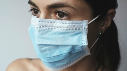 Как продезинфицировать одноразовую или тканевую маску: ТОП-3 способа, которые сохранят семейный бюджет