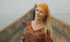 З розпатланою зачіскою і алкоголем в руках: Леся Нікітюк спантеличила шанувальників новим фото
