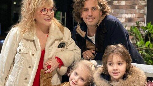 Заметно помолодевшая Пугачева и Максим Галкин сходили в кино со своими детьми: настоящая семейная идиллия