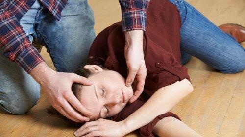 Симптомы, предшествующие обмороку: важная памятка для каждого