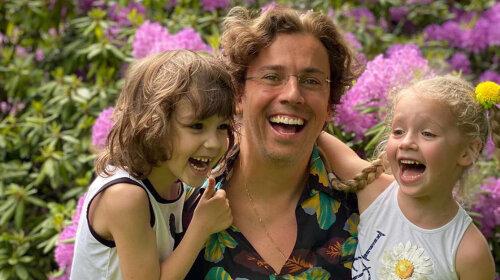 """""""Лиза – вылитая мама. Гарри похож на папу"""": дети Пугачевой и Галкина отмечают день рождения"""